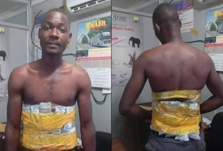 Petty thief caught with?15 mobile phones taped around?his body