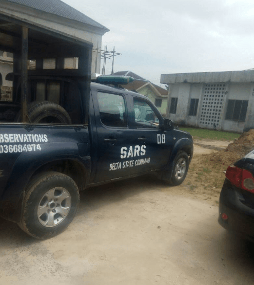 Six SARS officers arrested and detained for extortion