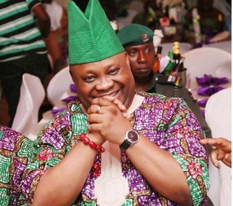 PDP members in Osun State sue dancing senator Adeleke?for alleged non-possession of primary school certificate