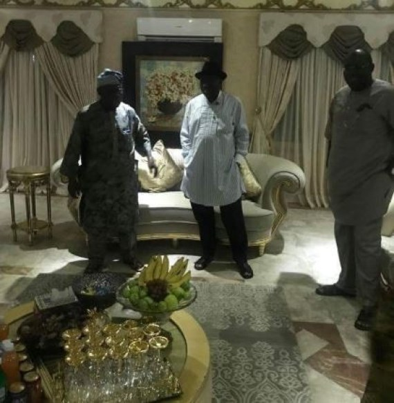 Former Presidents Olusegun?Obasanjo and?Goodluck Jonathan?hold closed door meeting in Bayelsa (Photos)