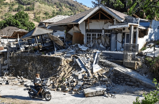 Woman trapped in earthquake for 2 days rescued after neighbour heard cries