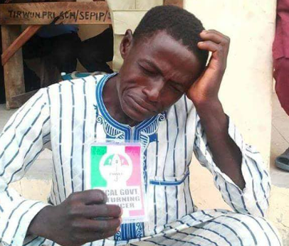 Trending photo of an alleged PDP agent crying after his party lost at the bye-election in Bauchi