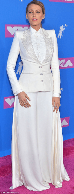 Check out how your favorite female celebrities arrived the red carpet at 2018 MTV Video Music Awards