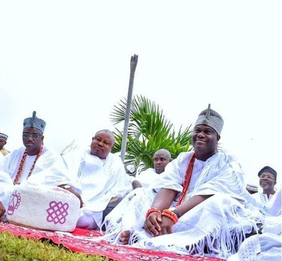 Photos:?Ooni Of Ife?joins Muslim faithfuls to pray at Eid ground in Ile-Ife?