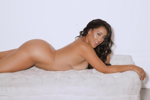 Photos: Reality TV star Natalie Nunn goes completely naked for the first time to promote body confidence?18+