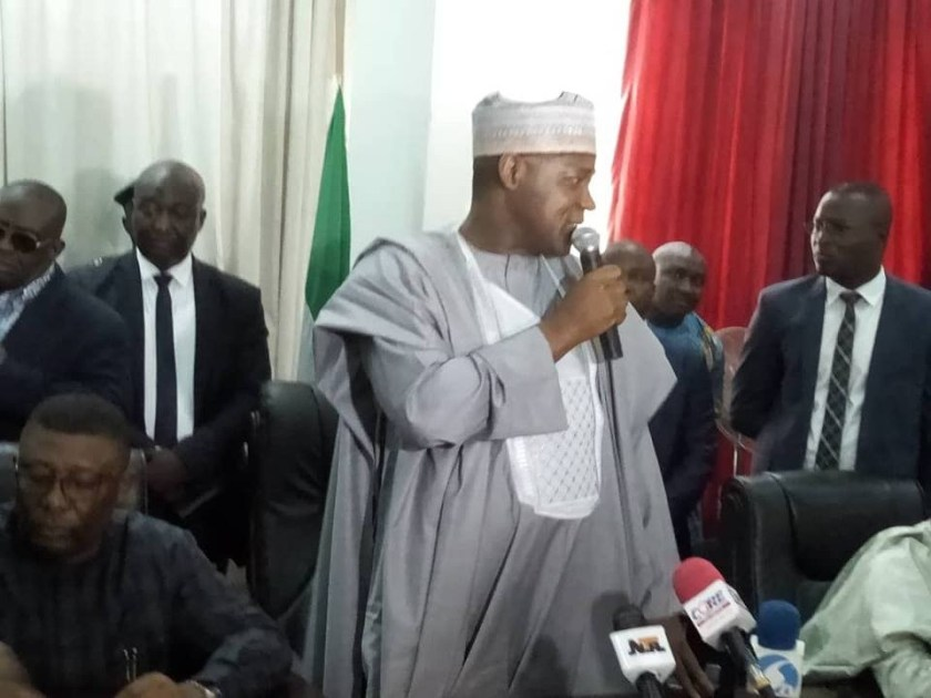 Photos: Speaker, Yakubu Dogara visits PDP secretariat to drop his nomination form