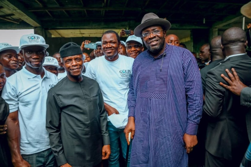 Vice President commends Foundation as they Donate over 10,000 relief materials to Bayelsa and Delta state flood victims