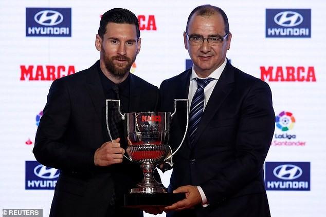 Barcelona star Lionel Messi receives Alfredo Di Stefano trophy and Pichichi award ?(Photos)