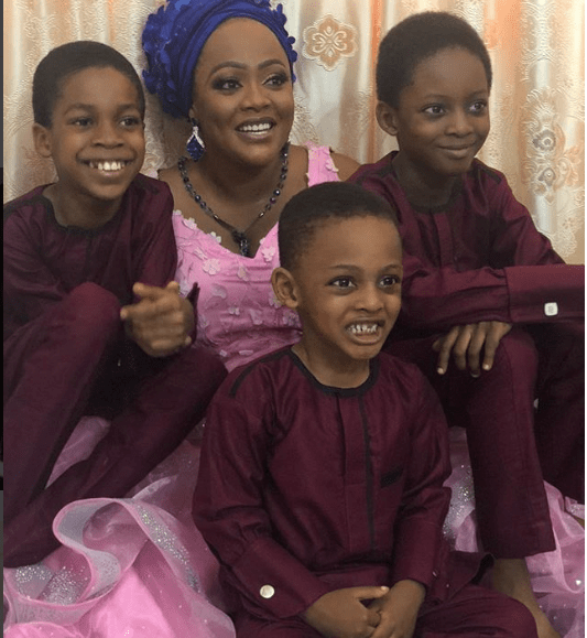 Adorable photos of Helen Paul, her husband and their children?
