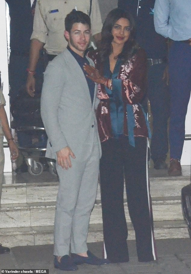Newlyweds Priyanka Chopra and Nick Jonas arrive in Mumbai after their wedding reception in New Delhi?(Photos)