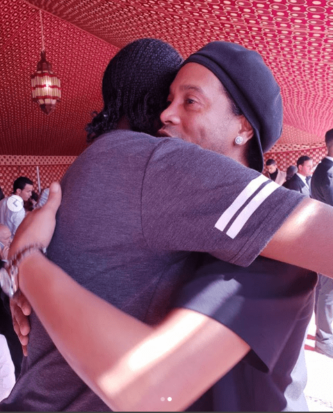 Football legends, Kanu and Ronaldinho pictured together (Photos)