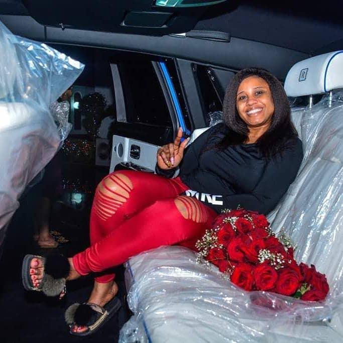 Five-Star music Boss, E-money buys his wife a Rolls Royce Phantom as her 2018 Christmas gift(photos)