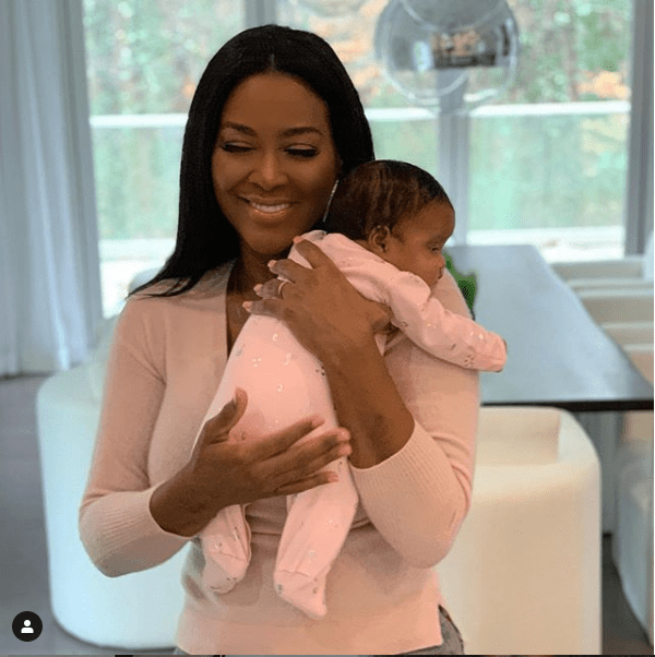Adorable new photo of Kenya Moore and her baby girl Brooklyn Daly?