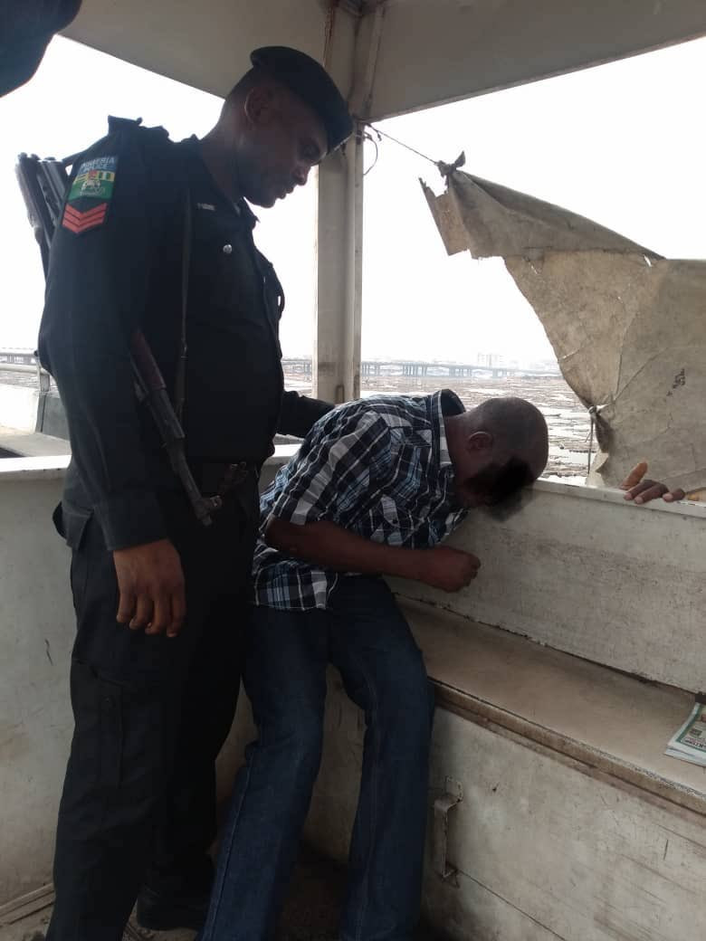 Photos: Police rescues man who attempted to jump into Lagos Lagoon