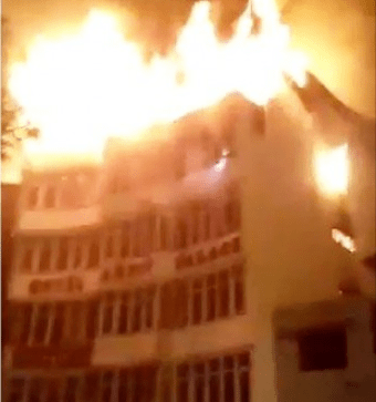 17 dead in massive fire outbreak at a New Delhi hotel