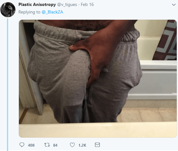 Men shock Twitter users with photos of their d*** print (+18 )