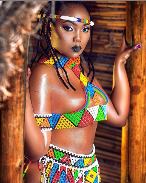 Curvy Tanzanian model, Sanchi shows off her enormous backside, says she carries