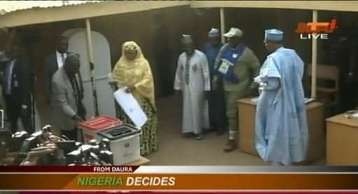 Governorship election: President Buhari and wife cast their votes at Kofar Baru polling unit in Daura