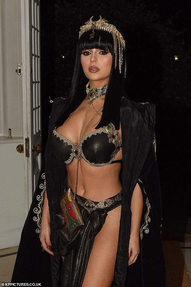 Demi Rose transforms into a stunning Cleopatra to ring in