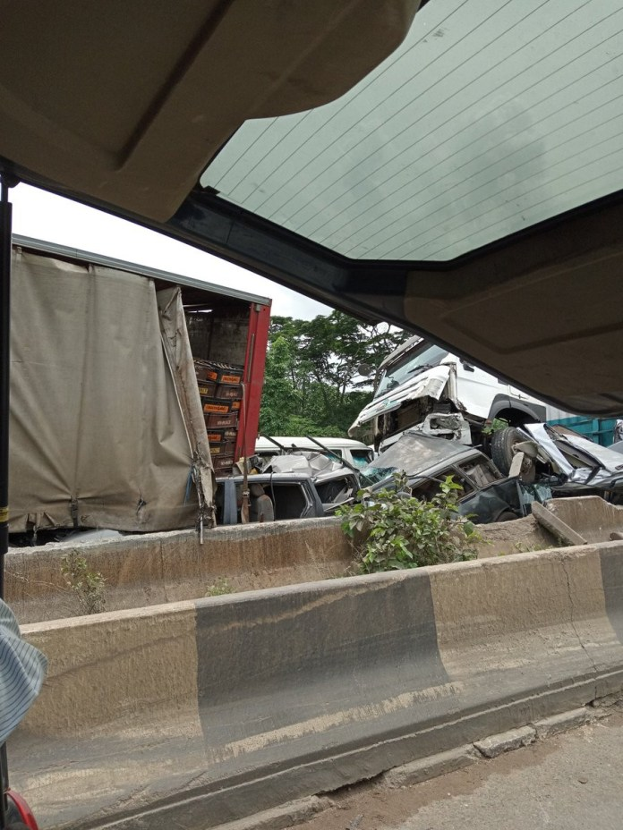 Many feared dead in multiple fatal car accidents along Benin-Ore express road (photos)