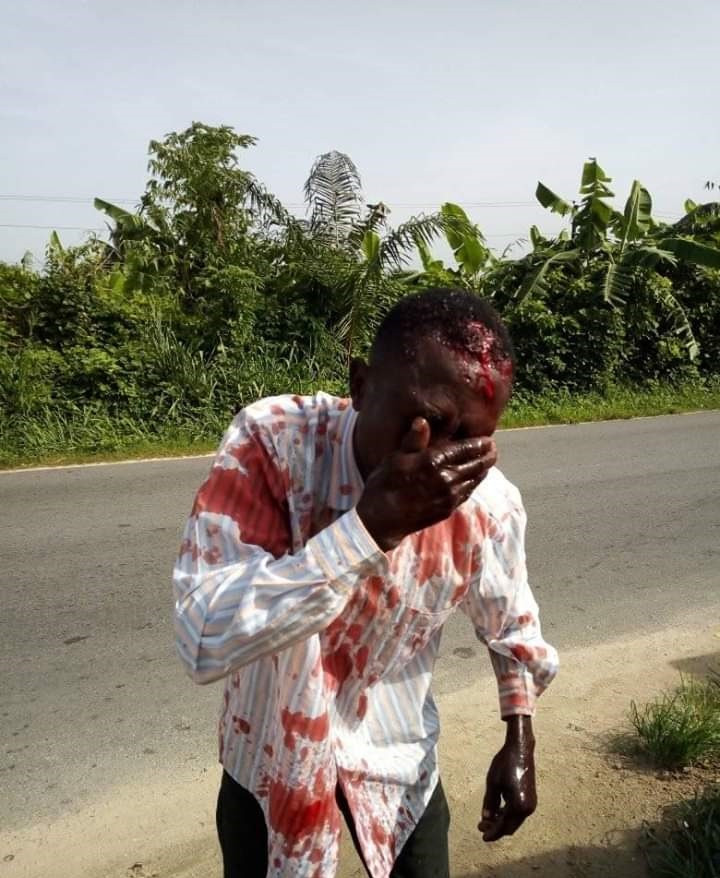 Graphic: Man accuses police officer of battering a commercial motorcyclist who refused to offer N100 bribe