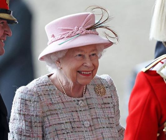 Queen Elizabeth is looking to hire a?social media manager at a salary of?$38,000 per year