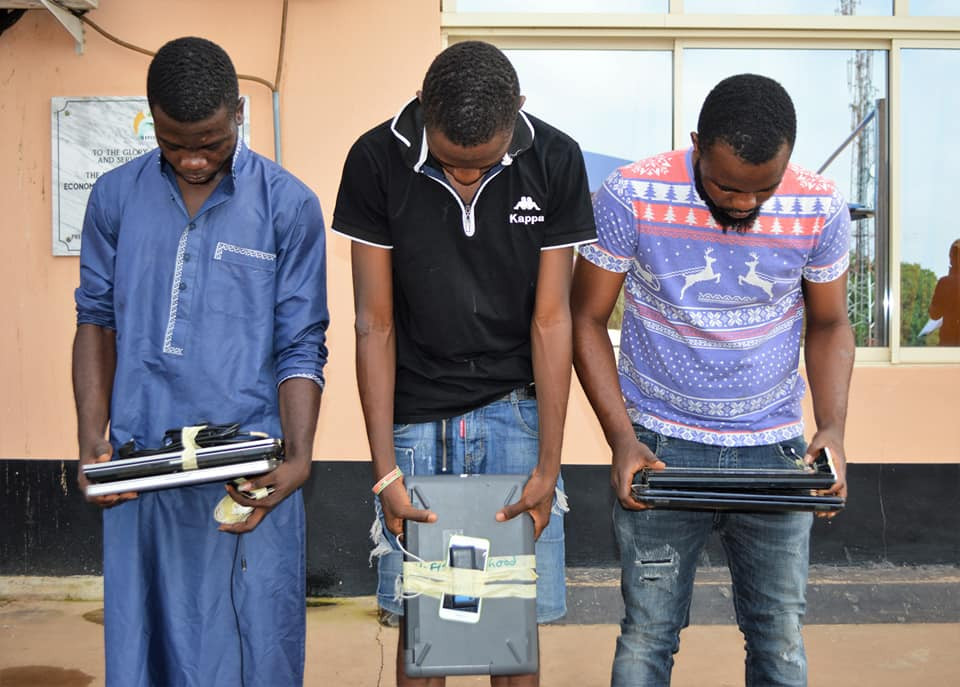 Again, EFCC nabs another set of suspected internet fraudsters in Ibadan with laptops and charms (Photos)