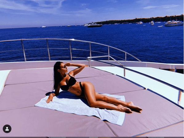Cristiano Ronaldo and girlfriend Georgina Rodr?guez lock lips in Jacuzzi on board a yacht (Photos)