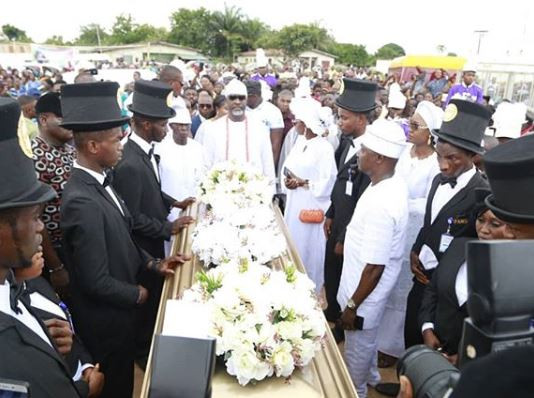 Photos from the burial of Dino Melaye