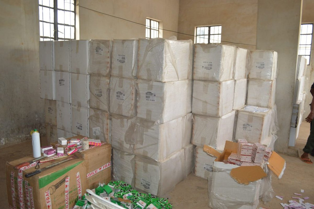 Five arrested by Customs for stealing seized tramadol