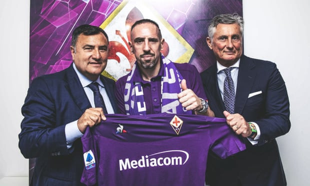 Franck Ribery is welcomed by 12,000 fans at Stadio Artemio Franchi after completing move to Fiorentina (Photos)