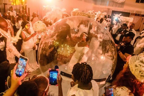 Nigerian bride goes viral as she arrives her wedding anniversary in a giant inflatable balloon (photos)