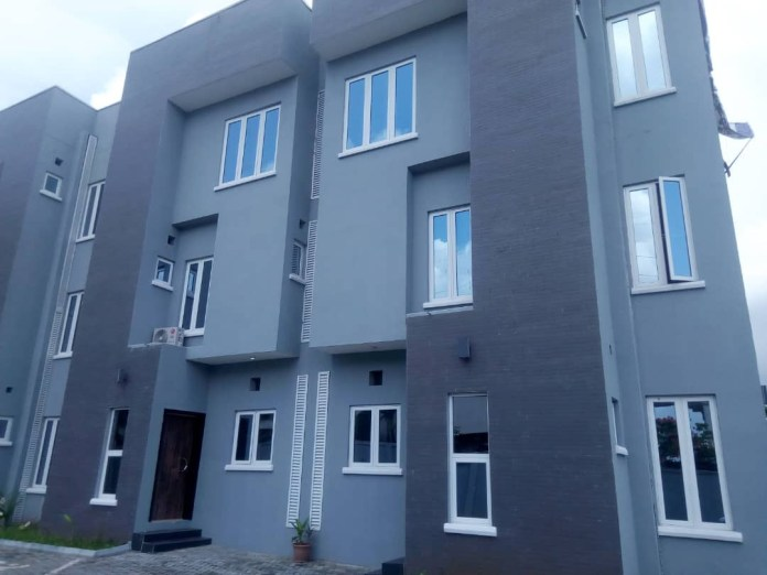 Beautiful 4 bedroom terrace building available for sale at a reasonable price
