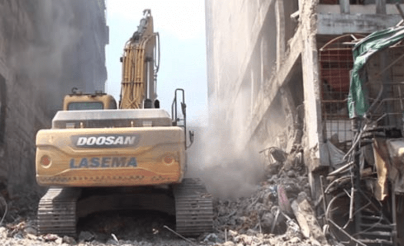 Five-storey building razed by fire at Balogun Market has been demolished by?Lagos State government (Photos)