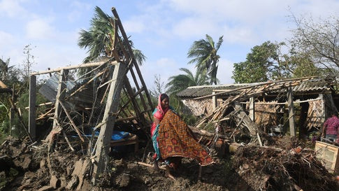 14 dead as Cyclone Bulbul hits India and Bangladesh