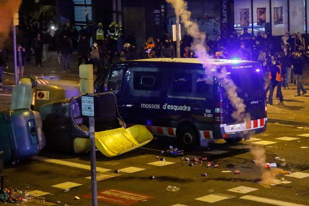 9 arrested after El Clasico between Barcelona and Real Madrid turned violent  (photos)
