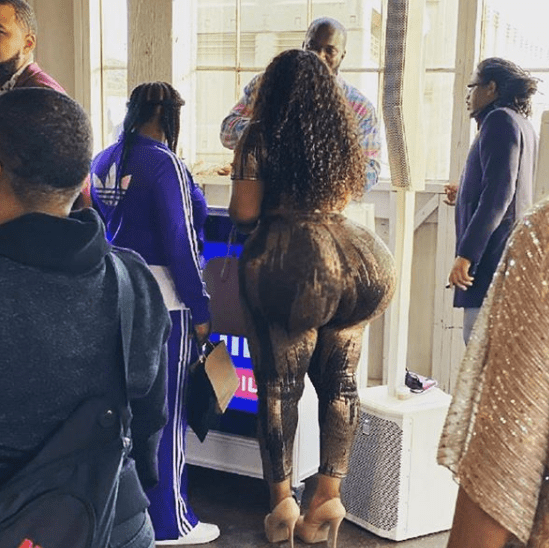 Lady whose big ass caused commotion at airport has been identified (see more photos)