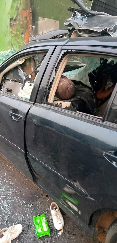 Pregnant Nigerian woman dies, her three children injured in fatal accident (graphic photos)