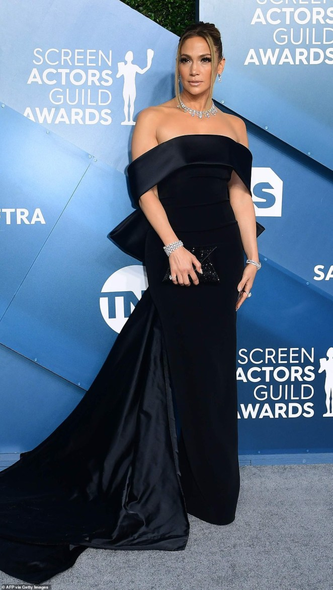 Jennifer Lopez dazzles in $9M worth of diamonds at SAG Awards (Photos)
