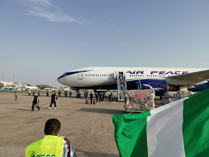 Coronavirus: 15 Chinese doctors arrive Nigeria despite protest from Nigerian doctors (video/photos)