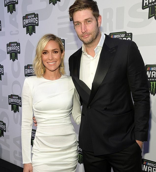 Reality star, Kristin Cavallari announces she's divorcing from husband, Jay Cutler, after 10 years together