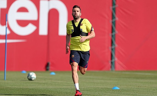 Lionel Messi and his Barcelona team-mates return to training for the first time since Coronavirus lockdown (Photos)