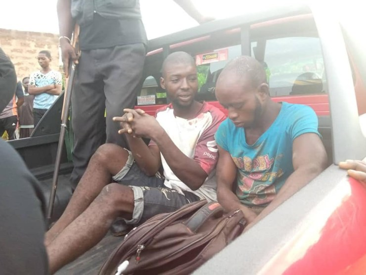 Amotekun in Osun apprehend suspected ritualists who specialize in stealing female underwear (photos)  Amotekun in Osun apprehend suspected ritualists who specialize in stealing female underwear (photos) 5ec97984268a6