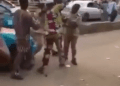 Taxi driver fights two law enforcement officials in Akure (video)