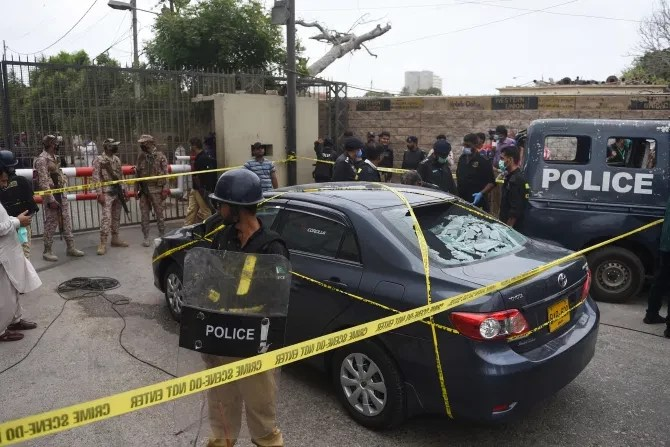 """""""At least 9 dead"""" as terrorists storm the Pakistan stock exchange and open fire (graphic video)"""