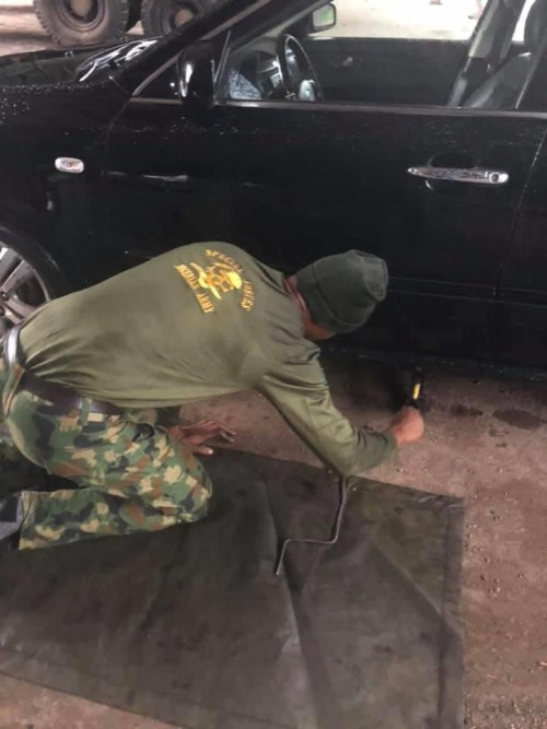 5efc86838023f - Nigerian Man Appreciates Soldier Who Helped Him When He Was Stranded In The Rain (Images)