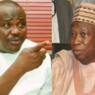 A man who stuffs dollars from contractors in his babariga wants to isolate me - Wike slams Ganduje (video)