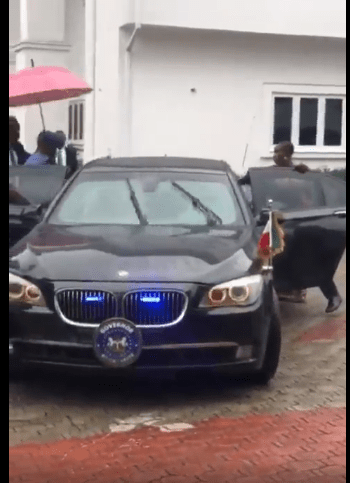 """Governor Nyesom Wike rescues former NDDC Acting MD, Joy Nunieh from """"house arrest"""" (videos)"""
