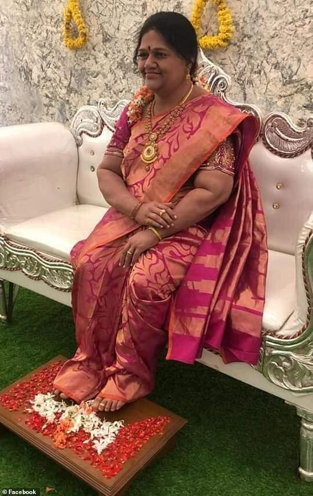 Indian widower commissions a lifelike wax statue of his dead wife to keep her memory alive (photos)