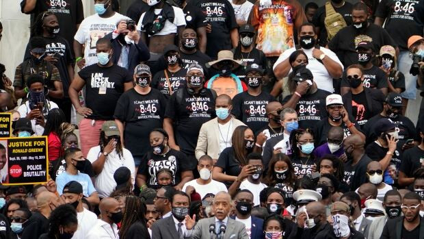 Thousands gather in Washington to protest police violence against black people (Photos)